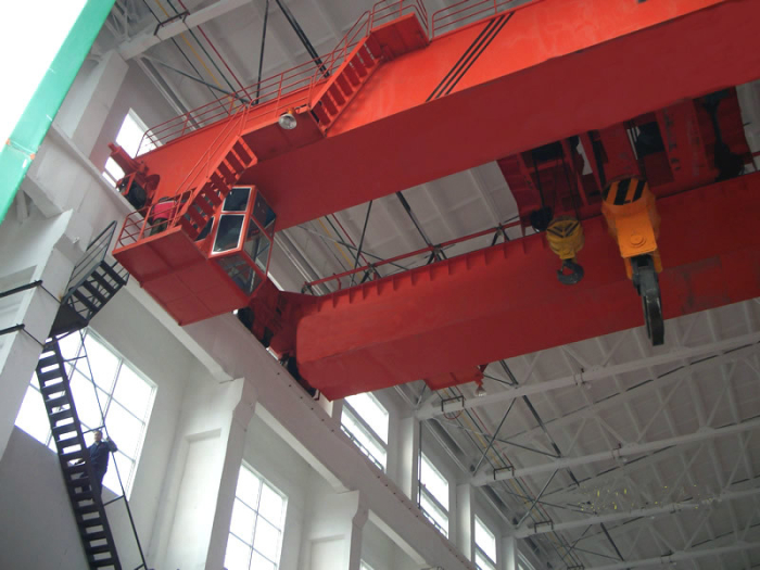 Overhead gantry bridge crane cab machine