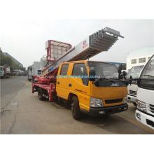 Camión plataforma de gran altura con brazo recto de 30 m.