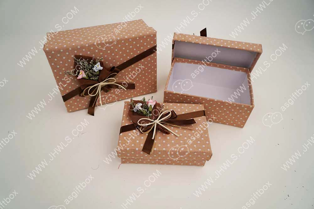 Pink cloth white dot gift box