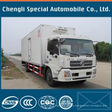 Dongfeng Tianjin DFAC 4X2 4700mm Carro de carro del refrigerador con distancia entre ejes