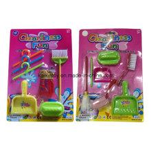 Kinder spielen Spielzeug von Reinigungs-Set