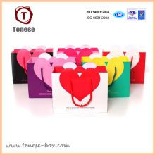 Saco de presente de papel de compras em forma de coração