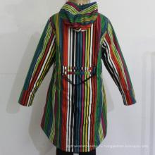 Красочные полосы с капюшоном ПВХ плащ для женщины