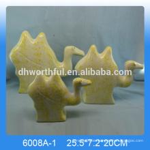 Estatua de camello de cerámica personalizada, decoración de camello de cerámica para la venta al por mayor