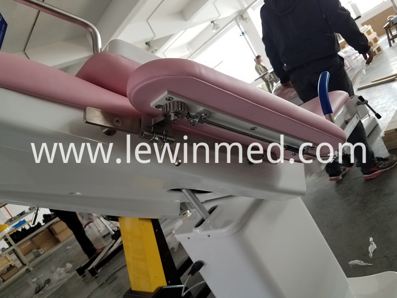 Customize Color Electric Obstetric Exam Bed