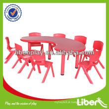 Barato e agradável crianças plástico mesa e cadeiras Set LE.ZY.005