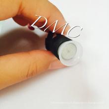 Maquillage permanent en plastique noir en anneau en toupie en tétine et tatouage en pigment avec coupe à doigts avec une éponge