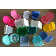 Boîte à dent en plastique colorée