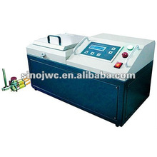 Liquid spraying machine