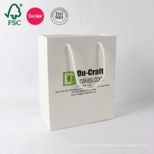 Bolso de papel blanco de Kraft de las compras del arte de lujo de encargo del OEM con el fabricante de la manija