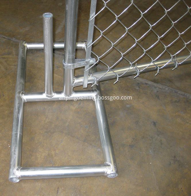 Temporary fence metal feet