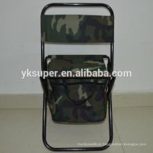 Cadeira dobrável dobrável com bolsa de refrigeração para caminhadas.