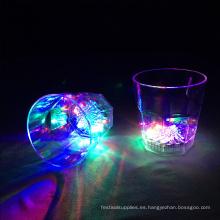 fiesta del club iluminar vasos