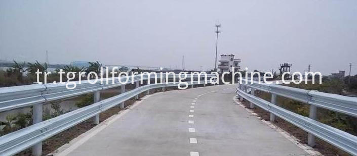 Expressway Crash Barrier Roll Forming Machine