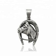 33888 xuping Лучшие продажи черный пистолет цвет Нержавеющая сталь ювелирные изделия лошадь голова кулон