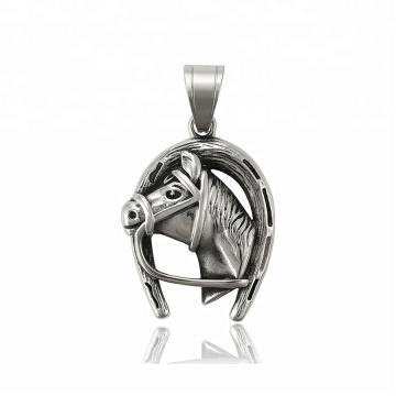 33888 xuping Meilleure vente pistolet noir couleur pendentif tête de cheval en acier inoxydable bijoux