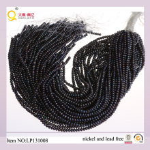 4-5mm schwarze Knopf-Frischwasserperle verlieren Perlen-Stränge