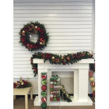 Pièce du centre de Noël pré-éclairée avec ornements et déco (gamme complète)
