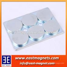 Imán de neodimio de 4 o 6 piezas con bordes redondeados acero / montaje N50 ndfeb imán con acero para la industria
