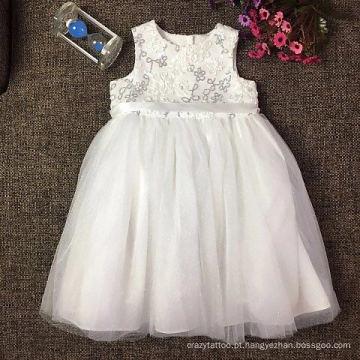 vestido de princesa de renda branca