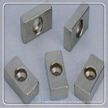 N50 Bloque Perment NdFeB imán con agujero de fijación