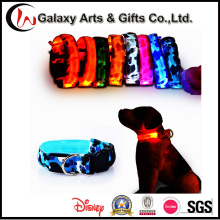 Personalizada brillante collares para perro camuflaje Nylon Pet LED que destella