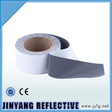 EN471high visibilidad punto reflexivo resplandor en la cinta oscura de TC