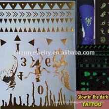 OEM Las marcas de fábrica al por mayor del tatuaje luminoso brillan en la etiqueta engomada oscura de los tatuajes temporales del tatuaje para los adultos GLIS007