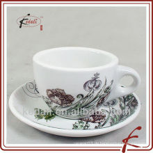 Neues Design 250ml Keramik-Kaffeetasse mit Untertasse