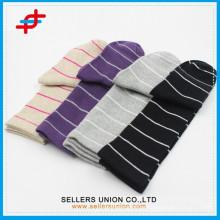 Kundenspezifischer Streifenwinter warmer Baumwollstrumpf für Großverkauf