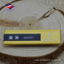 Nuevas insignias de nombre del oro del imán del negocio del diseño, hechas en China