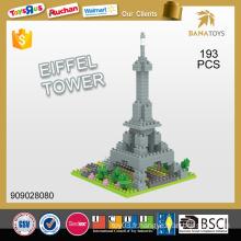 Bloc de construction de la tour eiffel en plastique à chaud