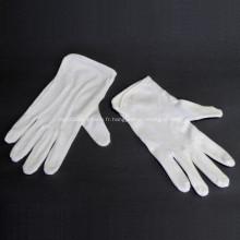 Gants cosmétiques pour le spa à la main pour hydrater