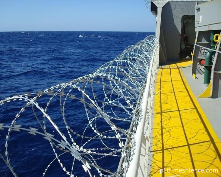 razor wire on ship