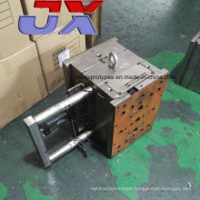 Custom Plastic Injection Mold Maker