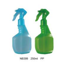 Botella plástica del rociador del gatillo del animal doméstico para la limpieza del hogar (NB393)
