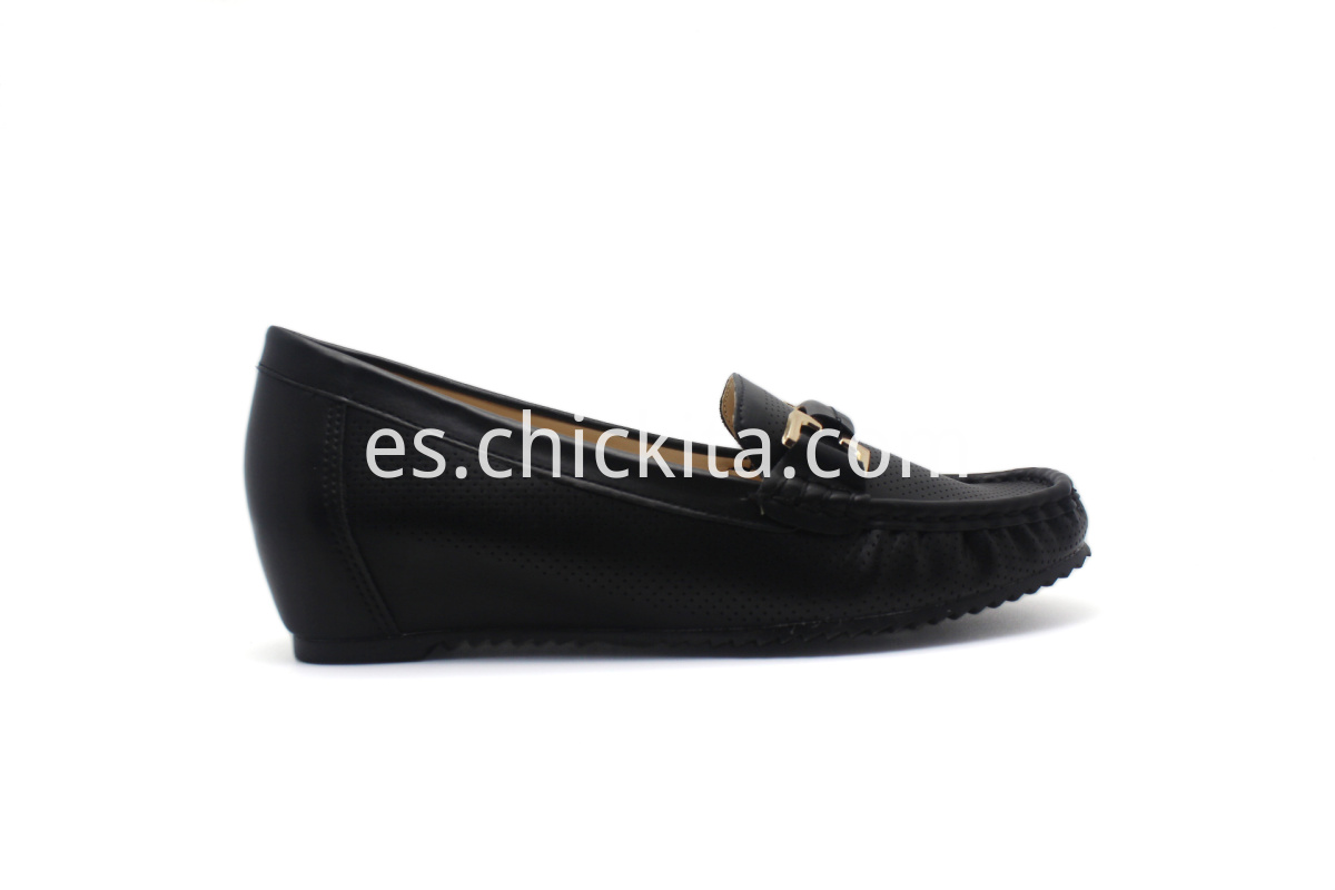 Women's hidden heel shoes