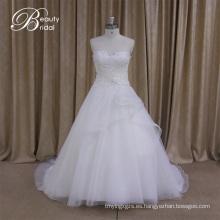 Vestido de satén de novia con cintura imperio