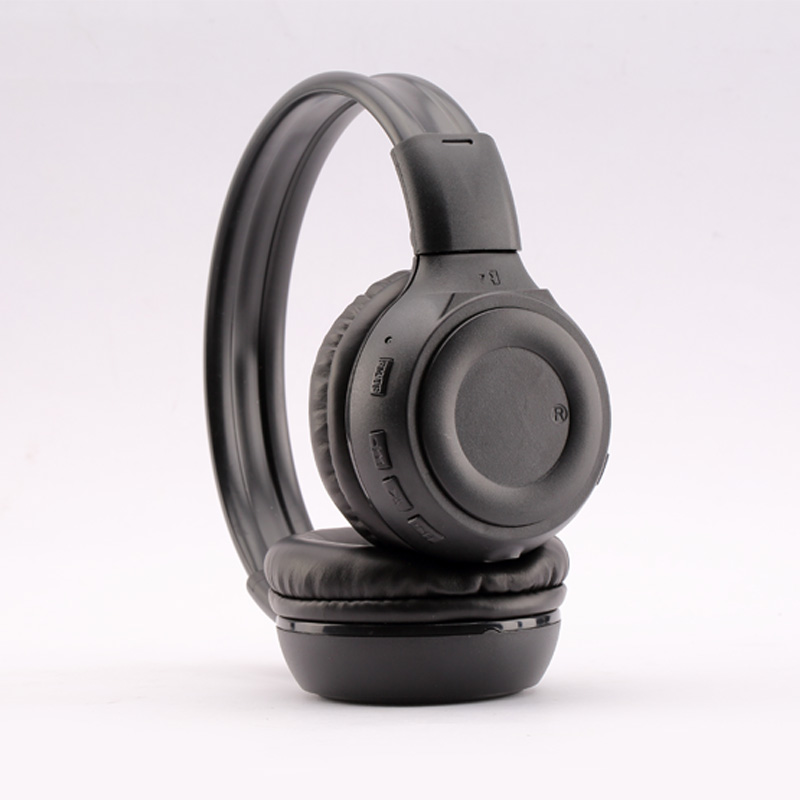 over ear bluetooth headphones