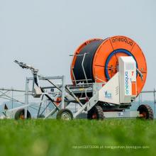 Operar com segurança a irrigação do carretel da mangueira de sprinkler agrícola