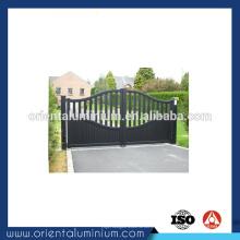 Porte battante manuelle en aluminium sur mesure