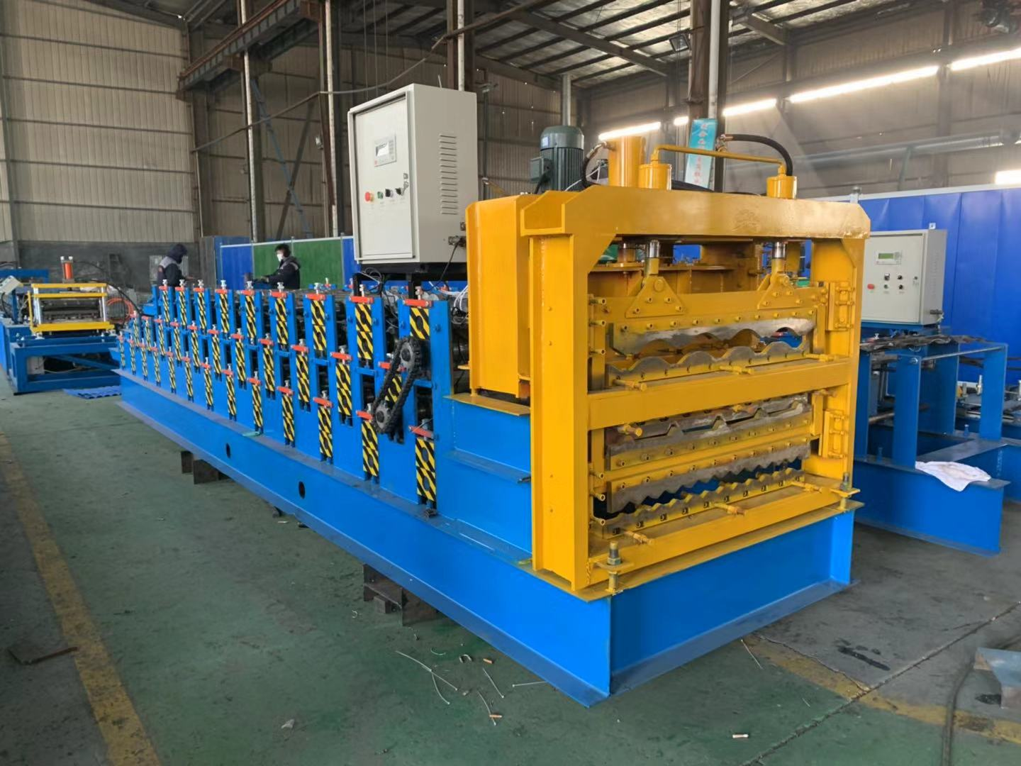 Galvanized steel sheet three layer roof forming machine