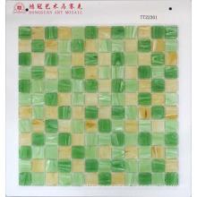 Mosaico de vidro para andar
