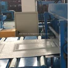 Panel de la puerta del garaje que forma el rodillo que forma la máquina