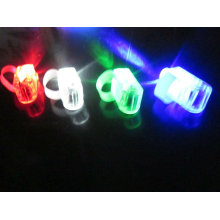 лазер палец свечение света