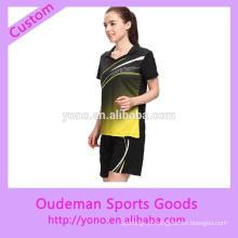 Desgaste feito sob encomenda do badminton das mulheres do projeto de forma no preço de fábrica