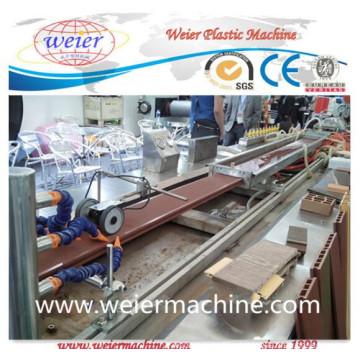 Linha de produção plástica de madeira da máquina da extrusora da placa da porta do PVC WPC