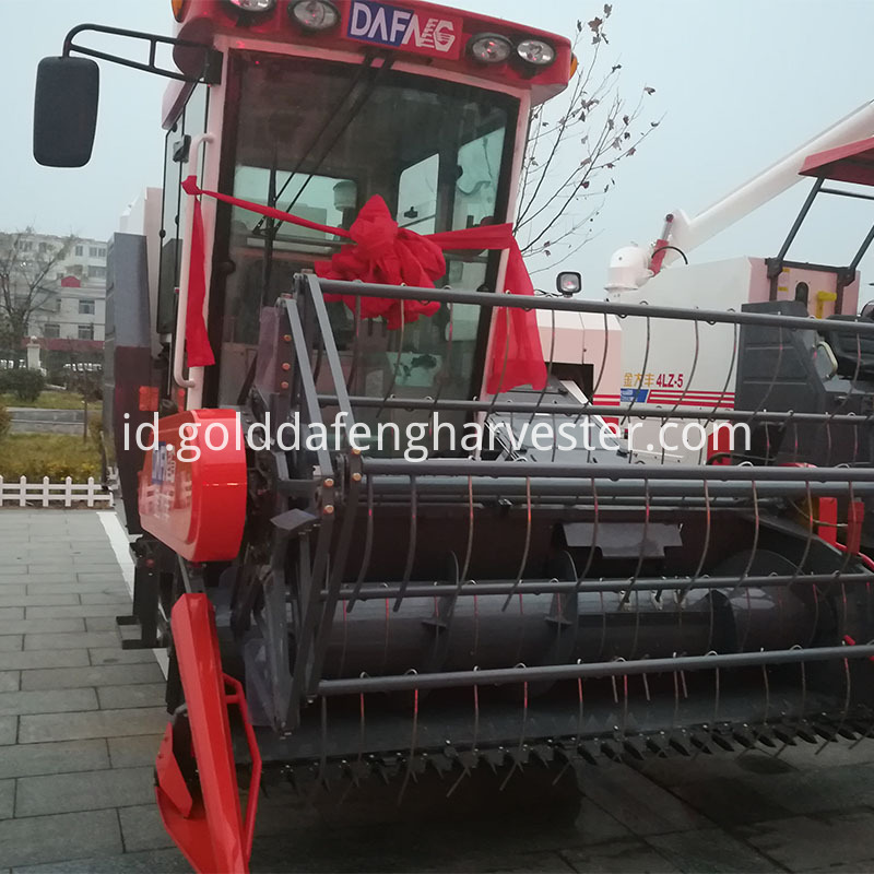 Gold Dafeng fuel-efficient agriculture machinery equipment rice harvester