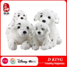 Brinquedo macio de pelúcia macia preto e branco cachorro manchado