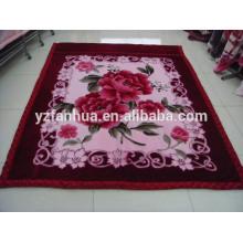 Poliéster de color de rosa brillante flor impresa Raschel visón mantas
